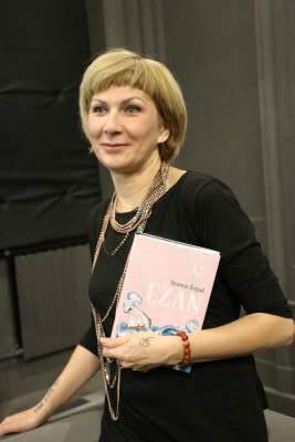 Ivana Šojat u Narodnoj knjižnici Drniš